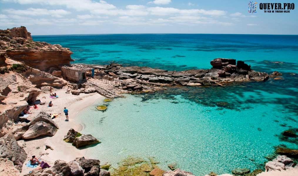Cala Caló des Morts Formentera