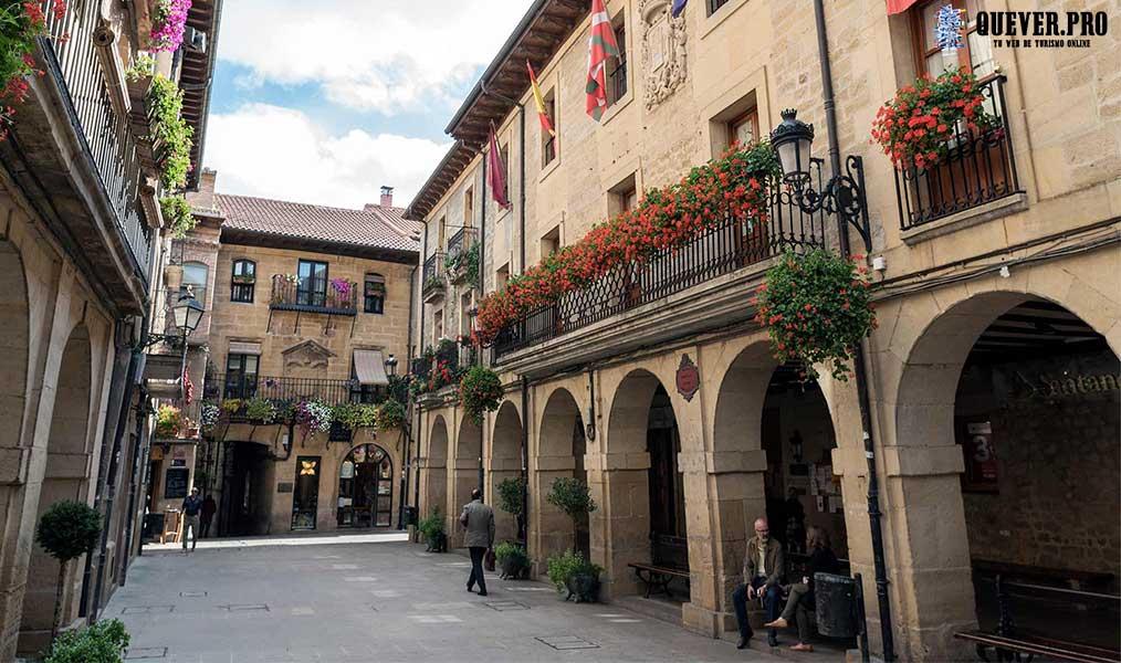 Calle Mayor Laguardia