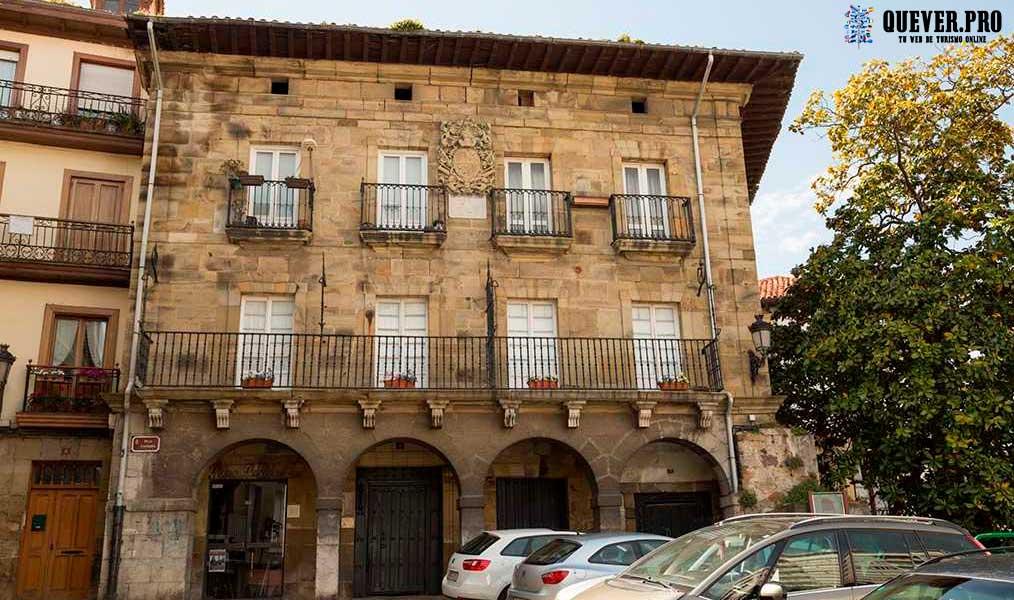 Casa de Hernando de Alvarado Laredo