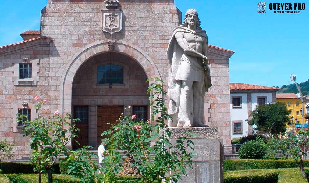 Estatua de Pelayo Cangas de Onís