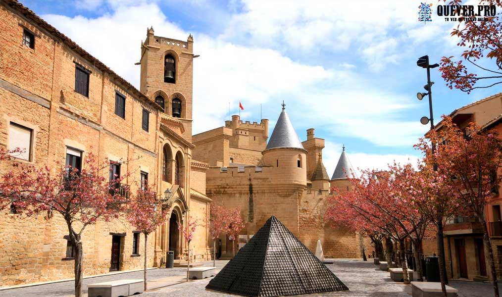 Plaza de Carlos III Olite