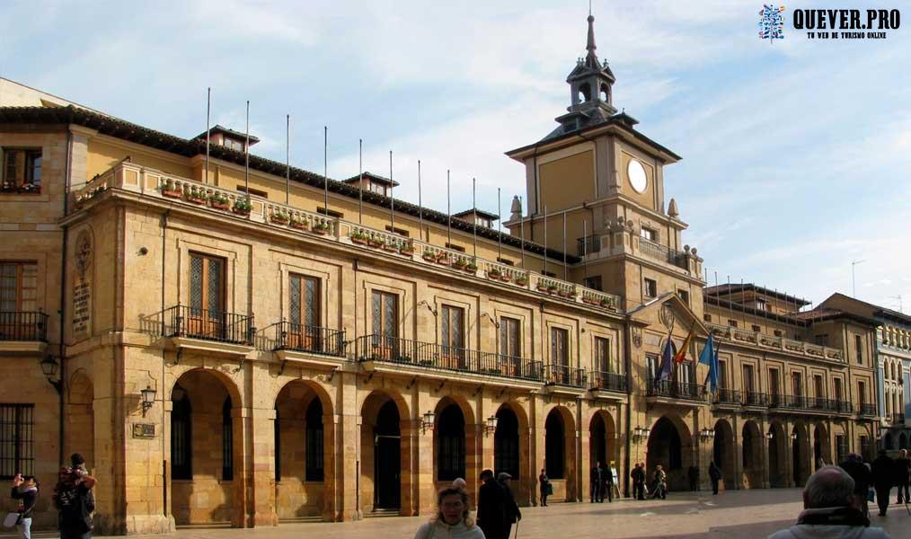 Plaza de la Constitución Oviedo