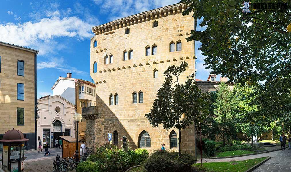 Torre Luzea Vitoria